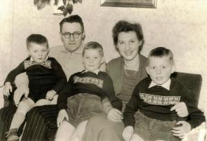 Egidius og  Annemarie Fries med Ernst , Horst og Dieter 1959
